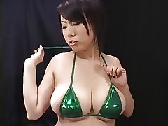 softcore asian plays back..