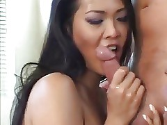 Blowjob & Threesome: Nyomi..