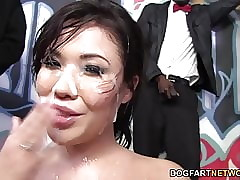 London Keyes enjoys bukkake..
