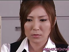 Asian milf toying their way..