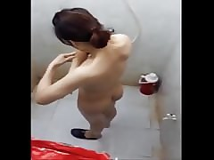 Pinay close-mouthed cam shower..